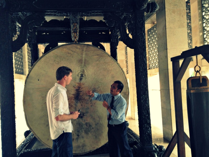 Geoffroy learnt to hit a huge beduk in Istiqlal