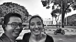 Candha & Joyce in front of Merdeka Palace. Nice smile, folks!