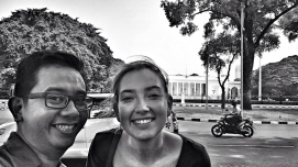 Candha & Joyce in front of Merdeka Palace. Nice smile, folks!