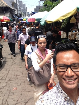 Walking in Petak Sembilan, Chinatown's traditional market