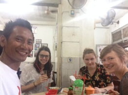 Last spot of our Jakarta Walking Tour : Chinatown. One old coffee shop.