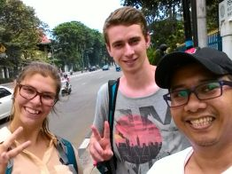 Rosali (Canada) & Rob (UK) with our guide, Candha. Rosali & Rob met in Bromo and decided to do traveling together ever since.