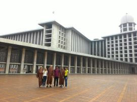 Having a tour inside Istiqlal Mosque is a must do in Jakarta