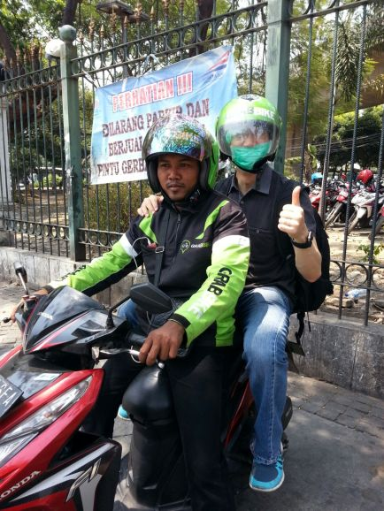After the tour, Dominic decided to try our online ojek (motor taxi) from GrabBike.