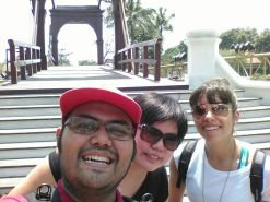 Our guide, Indra with Ann from The Phillipines and Anna from Venezuela.