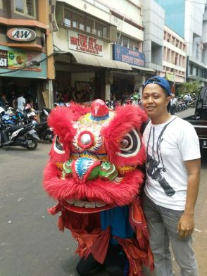 Partnering with a Barongsai